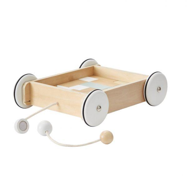 chariot à tirer avec blocs de bois